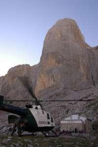 Trasladado al HUCA un montañero que se rompió un tobillo en el Picu Urriellu