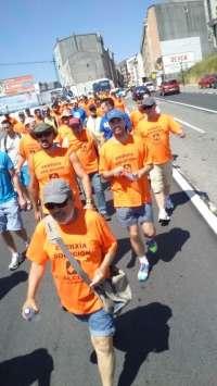 El calor marca la tercera etapa en la marcha de trabajadores de Alcoa en demanda de