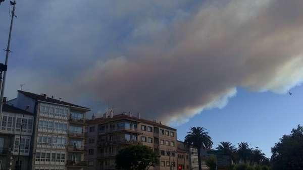 Un segundo incendio cercano a casas afecta a 15 hectáreas en Sober (Lugo), mientras el de Teo está estabilizado