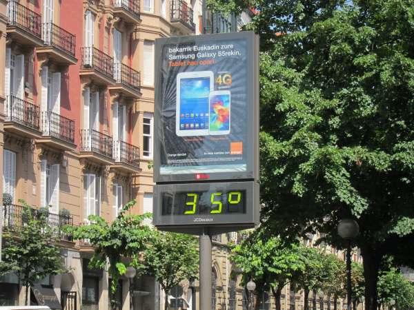 El área de Salud y Consumo de Bilbao recuerda la importancia de una buena hidratación durante el verano
