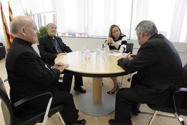 Los obispos piden recuperar la segunda hora de Religión en primero de la ESO y la consejera dice que cumple la legalidad