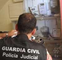 Sucesos.-Dos detenidos y 27 imputados acusados de manipular contadores de luz en Fuentes de Andalucía
