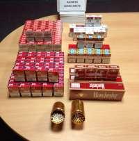 Sucesos.- La Policía Local interviene tabaco ilegal o de contrabando en una tienda del Cerro del Águila