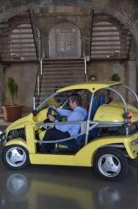 Alumnos del Máster en Ingeniería Industrial convertirán en eléctrico un buggy