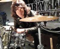 Marky Ramone, el último componente vivo de Los Ramones, actúa en el DOKA de San Sebastián el 8 de septiembre