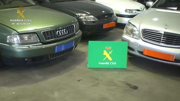 Diez detenidos y tres imputados de una red que defraudó 15 millones de euros del IVA de vehículos de la Unión Europea