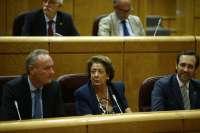 Barberá, Fabra, Sanz, la primera parlamentaria sorda (Podemos) y otros 19 senadores toman posesión de sus escaños
