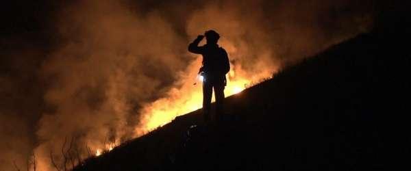'La vida en llamas', que se acerca a la labor de los bomberos forestales, se preestrena este jueves en Sevilla