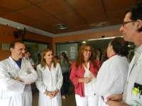La nueva delegada de Salud visita las Urgencias del Hospital Reina Sofía y se reúne con el equipo directivo