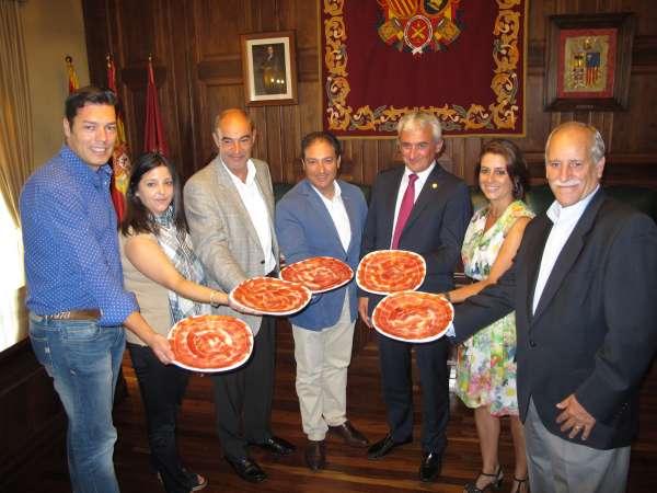 La XXXI edición de la Feria del Jamón de Teruel acoge 40 actos vinculados a este producto