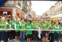 Más de 2.600 personas tiñen Segovia de verde en la II Marcha contra el Cáncer