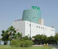 El subdirector de la RTVA subraya que la fusión no supondrá despidos, recortes de derechos o movilidad geográfica