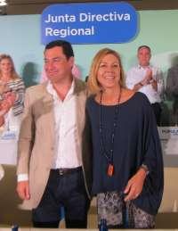 Cospedal garantiza que Rajoy seguirá ayudando a Andalucía, a pesar de que Susana Díaz