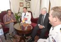 El gobierno local acuerda no visitar el buque chileno 'Esmeralda' por simbolizar