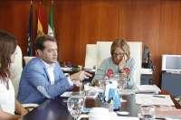 El alcalde de Mairena del Aljarafe exige a la Junta que inicie las obras del colegio de El Almendral