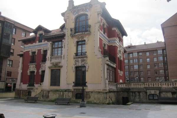 El Ayuntamiento paraliza la subvención a la Fundación Gustavo Bueno