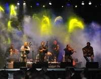 Milladoiro actúa este miércoles en el Teatro Arriaga, acompañados de Mafalda Arnauth