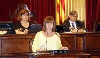 La presidenta del Parlament retira la pregunta y no interrogará a Armengol