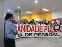 La junta de personal cifra en un 90% el seguimiento de la huelga en el CHUVI y el Sergas lo reduce al 30,8%