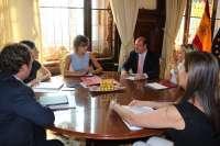 (AV) Sánchez arranca este jueves a Tejerina acuerdo beneficioso de agua desalada para regantes de inminente aplicación