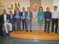 Fiscal presenta un libro sobre un descubrimiento científico en migración de la espátula por el litoral gaditano