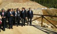 La ministra de Agricultura destaca las 3.500 hectáreas de olivar que entrarán en regadío con la presa de Siles