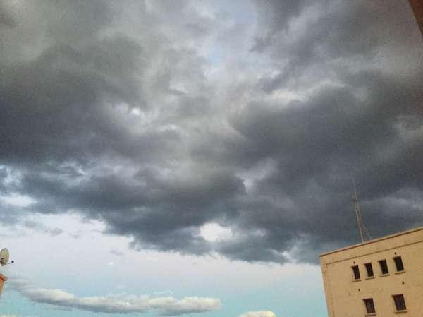 La Aemet rebaja el riesgo por lluvias en Canarias de naranja a amarillo