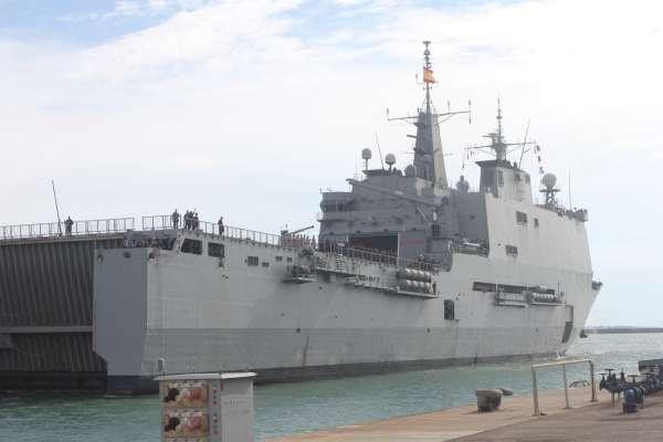 El buque de asalto anfibio 'Galicia' vuelve a su base en Rota tras más de seis meses en la Operación 'Atalanta'