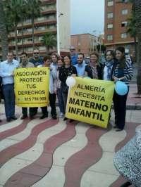 Unas 70 personas se congregan para pedir el hospital Materno-Infantil ante la