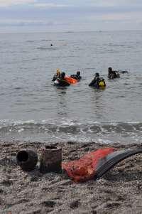 Retiran más de dos toneladas de residuos en Almería, Cádiz y Málaga en la 'Gran limpieza nacional de fondos marinos'