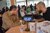 Premiados dos exalumnos de la UPCT por su red social para compartir mesa y hacer pedidos en hostelería