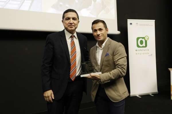 Antonio Jiménez, de 'A+ Potencial Humano', gana el premio al vídeo más visto del I Certamen Andalucía Emprende.TV