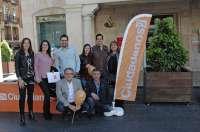 Ciudadanos inicia su precampaña en Teruel con una mesa informativa en la plaza del Torico