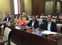 El PSOE acude al Parlamento para que el Gobierno rebaje el agua desalada en Almería