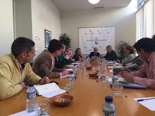 La Diputación de Badajoz ayudará a la ejecución de varios proyecto hídricos en localidades de la Provincia