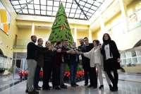 El Parque Joyero acoge el árbol de Navidad más lujoso de España