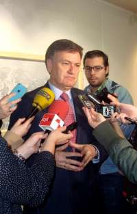 El PP de Segovia no tiene esperanza en que Gómez de la Serna renuncie y Escudero le tacha de