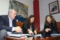 Allende pide la revisión del servicio público aéreo y la ampliación del aeropuerto de El Hierro