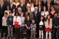 CEIP Miguel Hernández recibe de manos de la Reina el premio 'Acción Magistral' por un proyecto de convivencia
