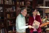 La Fundación Antonio Gala dona a la Consejería de Cultura más de 1.200 libros