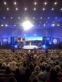 Rajoy dice, tras su agresión, que España