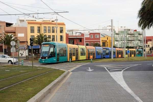 El tranvía incrementa su frecuencia los fines de semana de Navidad