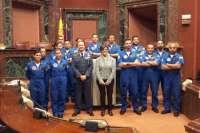 La presidenta de la Asamblea Regional recibe a la Patrulla Acrobática del Ejército del Aire