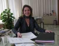 La alcaldesa destaca que la Oficina de la Vivienda atiende cada mes 70 expedientes y a más de 150 personas