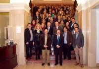Villalobos considera las cooperativas de servicio público
