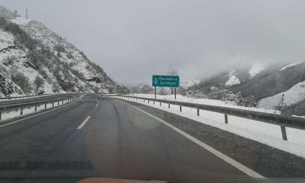 Las nevadas seguirán y las temperaturas se desplomarán hasta el miércoles, cuando llegará un nuevo frente