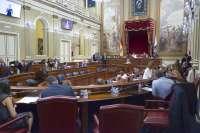 El pleno del Parlamento debate la creación de una comisión de estudio sobre la reforma electoral