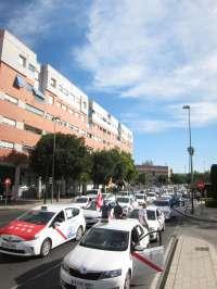 Taxistas andaluces secundan este jueves el paro nacional convocado por Fedetaxi contra la desregulación de la CNMC