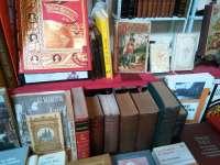 El Monasterio de San Juan acoge hasta el domingo el XIV Salón del Libro Antiguo Ciudad de Burgos