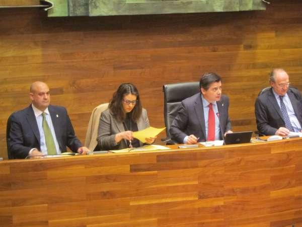 La Junta pide políticas que fomenten la igualdad entre hombres y mujeres
